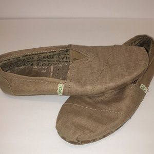Tom classic canvas slip on shoes